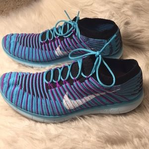 Nike free slip on fly knit running sneakers